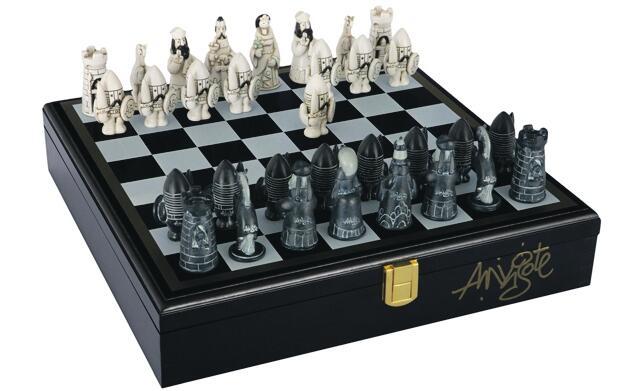 Original y exclusivo ajedrez de Mingote