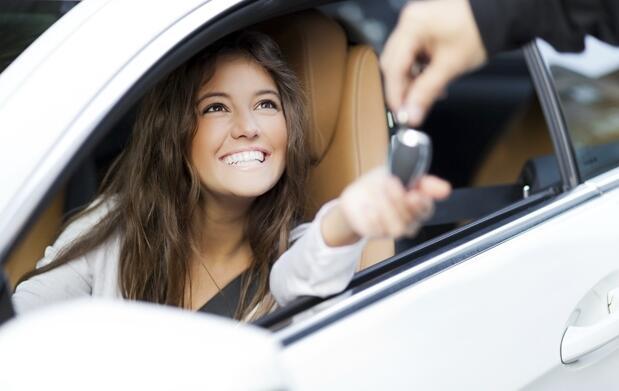 ¡Carnet de conducir con 8 prácticas!