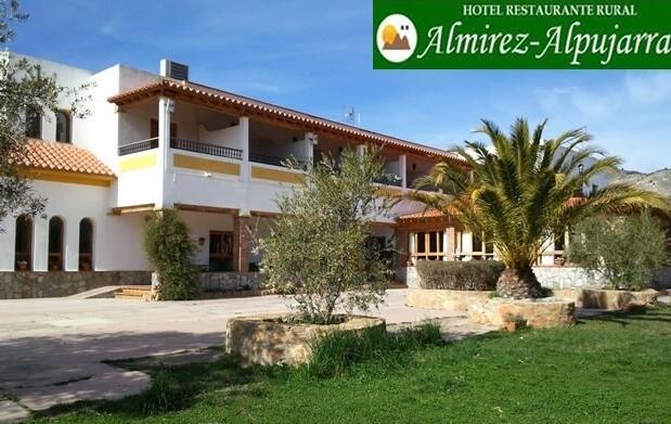 Almería: 2 noches + desayunos + Cena para 2