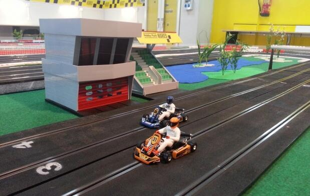 ¡Divertidas carreras de Scalextric!