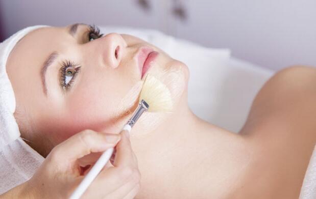 Peeling facial médico y mesoterapia