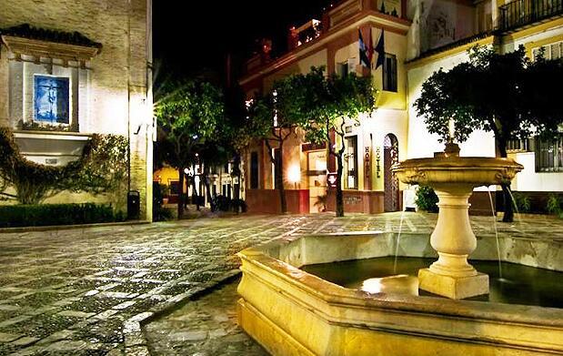 Rutas nocturnas por Sevilla