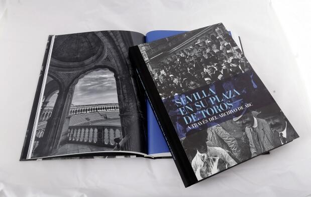 """Libro """"Sevilla en su plaza de toros"""""""