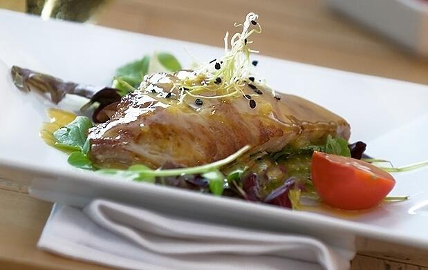 Menú de cocina mediterránea