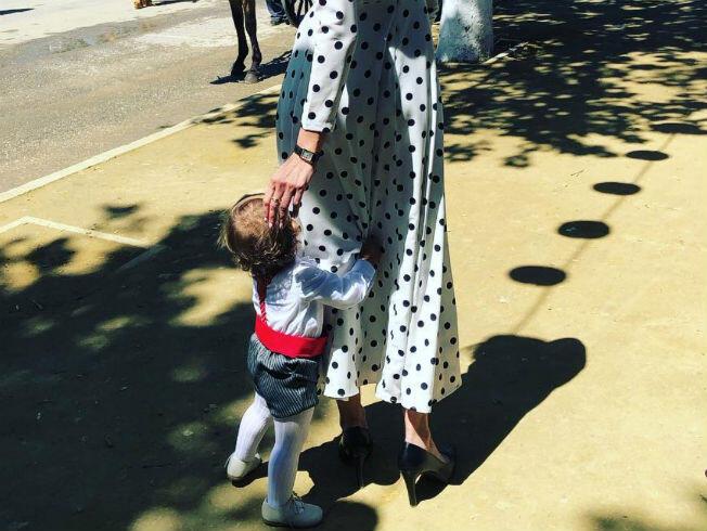 ecf2b00ef Así ha vestido Eva González a su hijo para ir a la feria - Bulevar Sur